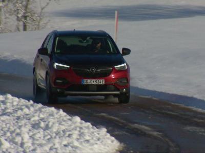 Essai vidéo de l'Opel Grandland X Hybrid4 : un petit geste pour la société