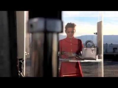 Vidéos : LA SCÈNE: CHRISTIAN DIOR LADY DIOR été 2015 MARION COTILLARD