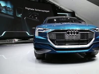 Francfort 2015 : Audi e-tron quattro