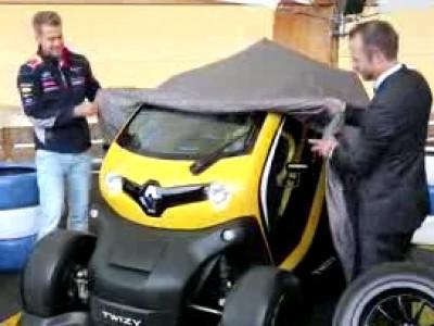 Sebastian Vettel teste le Twizy RS F1, un KERS sur 4 roues