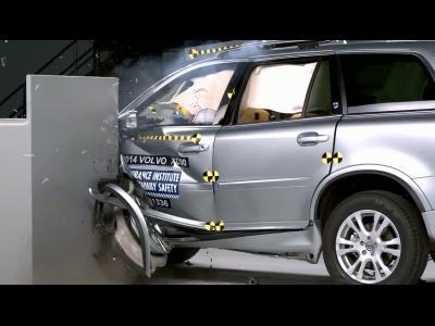 Découvrez les coulisses d'un crash-test automobile