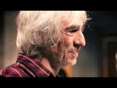 Louis Bertignac, l'amour, les femmes et sa guitare, il nous dit tout