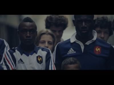 Adidas customise des pubs aux couleurs de la France et des All Blacks
