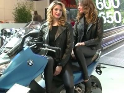 Salon du deux roues 2011 hotesses
