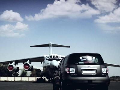 Le Nissan Patrol tracte un avion de 170 tonnes