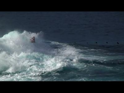 Le Bodyboarder qui danse sur l'eau