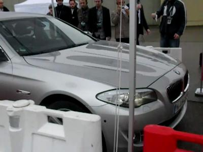 Parking à distance par BMW