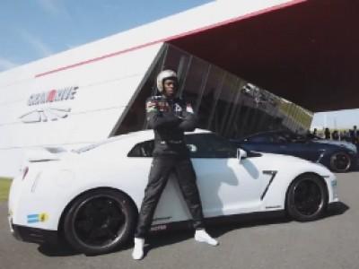 Usain Bolt a un faible pour la Nissan GTR