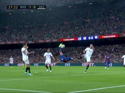Barça - FC Séville : Le geste magique de Suarez !
