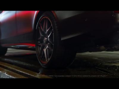 La Mercedes-AMG E 63 S enfume Los Angeles dans sa nouvelle pub