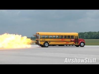 Plus de 590 km/h pour un bus scolaire