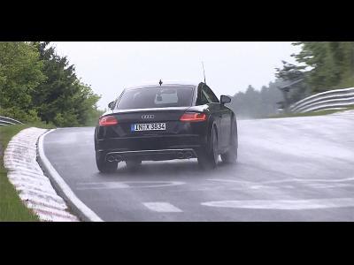 Le nouvel Audi TTS sous la pluie au Nürburgring