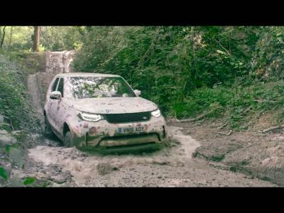 Le futur Land Rover Discovery s'habille de dessins d'enfants