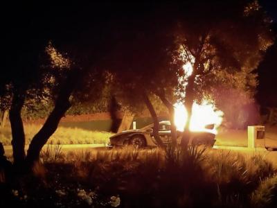 EN VIDÉO : La McLaren Senna de Salomondrin en feu !