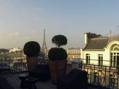 Nubé : la table haute en couleurs de l'hôtel Marignan