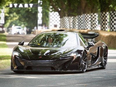 La McLaren P1 en démonstration à Goodwood