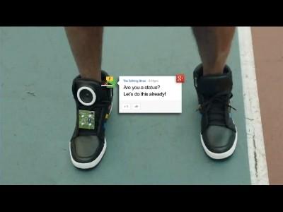 Les chaussures qui parlent par Google