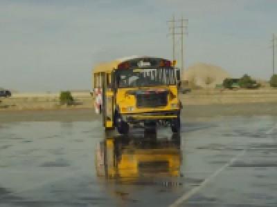 Bus Drifting Par Le Nitro Circus