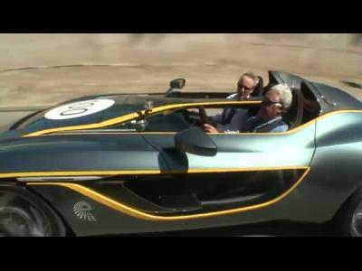 Jay Leno s'amuse au volant du concept Aston Martin CC100