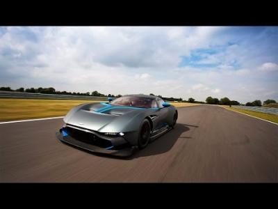 L'Aston Martin Vulcan fait trembler les circuits