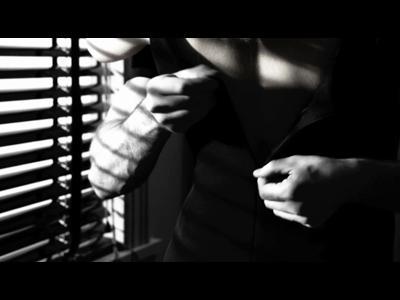 Evan Rachel Wood et Chris Evans s'enflamment dans une pub signée Frank Miller