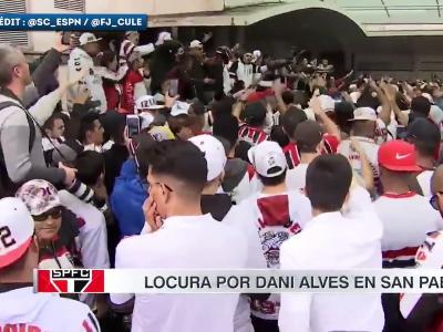L'ambiance délirante à l'arrivée de Dani Alves à São Paulo