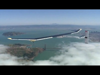 Solar Impulse vole au dessus du Golden Gate