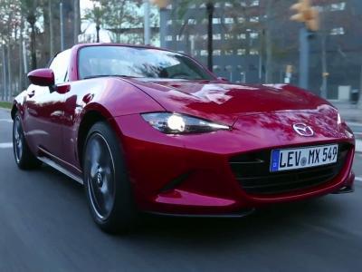 Essai Mazda MX-5 RF: la voie intermédiaire