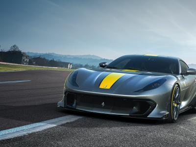 Ferrari 812 Competizione (2021) : le bolide et de sa variante Targa en vidéo