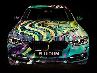 L'artiste Andy Reiben crée une BMW Série 3 phosphorescente