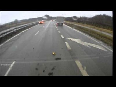 Accident : dérapage non-contrôlé sur l'autoroute en McLaren 650S