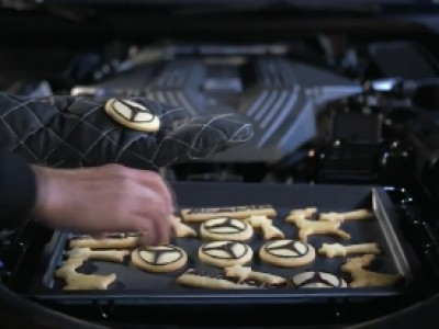 Pour Noël, Mercedes et AMG s'occupent des confiseries
