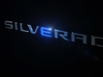 Chevrolet Silverado EV : teaser du futur pick-up électrique