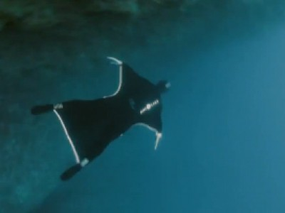 Pierre Frolla se transforme en Aquaman