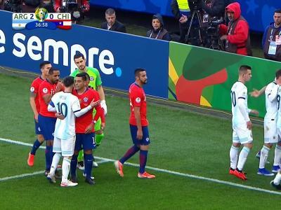 Copa América : le résumé et les buts d'Argentine - Chili