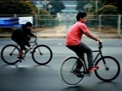 Ça roule en Indonésie avec les pignons fixes