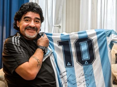 Diego Maradona : le monde du football rend hommage à El Pibe de Oro