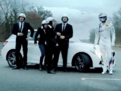 BMW vous souhaite de joyeuses fêtes en drift et en musique