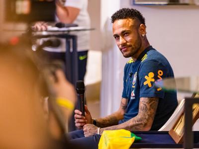 Brésil - Neymar : ''Je me sens heureux et à l'aise au PSG''
