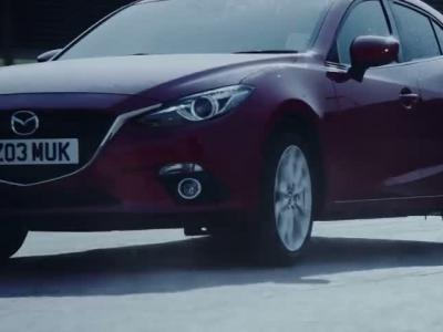 La Mazda 3 SkyActive meilleure que ... des chiens !?