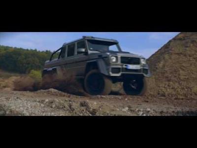 Les Mercedes G 63 6x6 et G 500 4x4² s'en vont jouer dans la boue