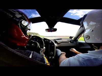 Des images embarquées en McLaren P1 à Donington
