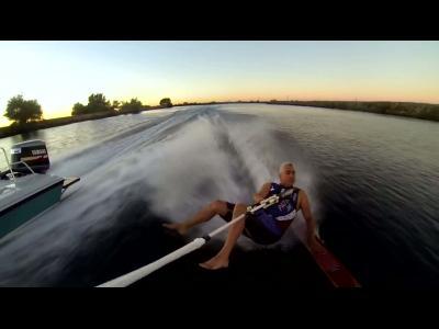 Session de wakeboard pieds nus avec Michael Temby