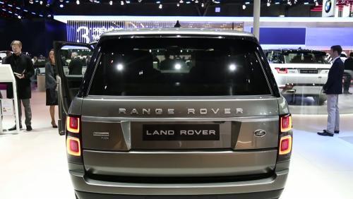 Mondial de l'Auto 2018 : la Land Rover Range Rover Hybrid en vidéo