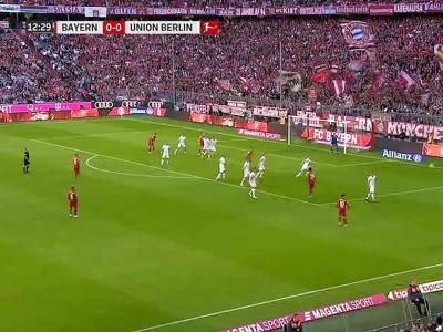 Bundesliga : Une demi-volée pour Pavard, encore !