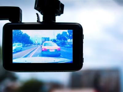 Dashcam : ai-je le droit de filmer la route ? Les réponses de Me Marchac