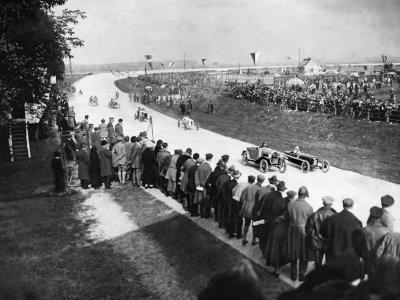 Circuit Opel Rennbahn : le 1er tournoi automobile de Wiesbaden en vidéo