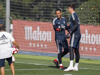Real Madrid - PSG : focus sur le duel Thibault Courtois - Keylor Navas
