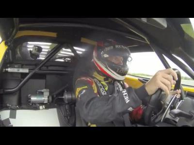 Räikkönen bouscule des Lotus sur circuit