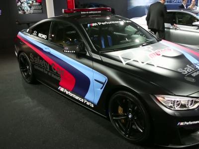 BMW M4 MotoGP Safety-car : maîtresse de cérémonie